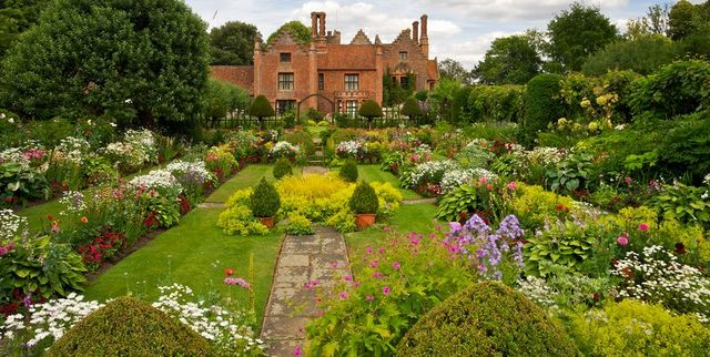 Tips for making your own English garden