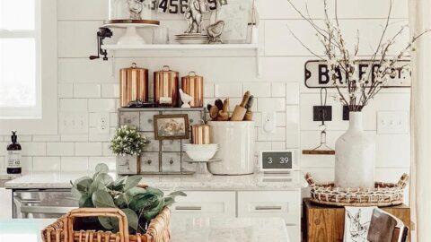 How to build a farmhouse style house