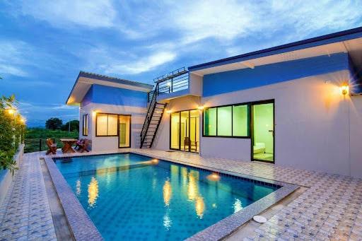 Nice Pool Villa Bangsaen